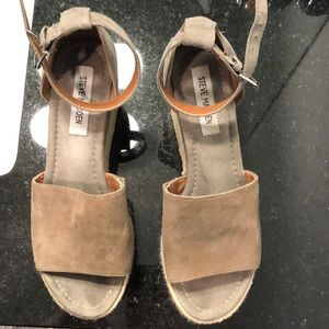 Steve Madden wedge sandals with grey suede top.